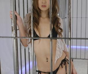 Japanese slave Hibiki Otsuki sucks cock after the removal of a mouth spreader