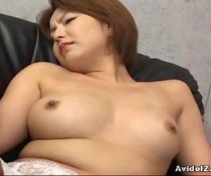 Japanese babe gets..