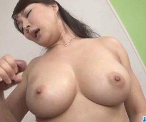 Hinata Komine deals cock in..