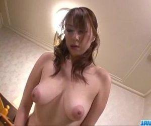 Araki Hitomi..