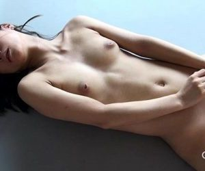Gravure.com idol Reika Yamada..