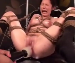 Japanese AV Porn Fucking Machine..