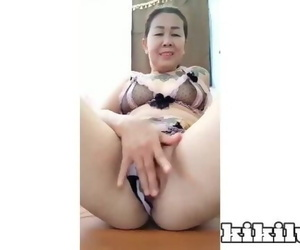 THAI MATURE WOMEN..