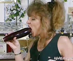 Lesbian Vagina Vegetables!