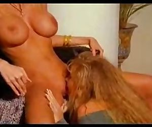 Retro milfs Julia Ann & Dyanna Lauren sensually play
