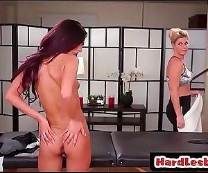 India Summer & Jaye SummersHot lesbians try massage 6 min