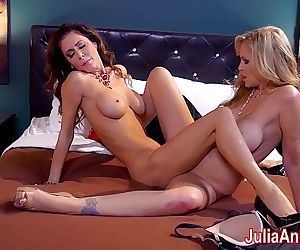 Hot Milf Julia Ann is a Lusty Lesbo!HD