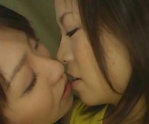 Японские лесбиянки найдено бурундук=)