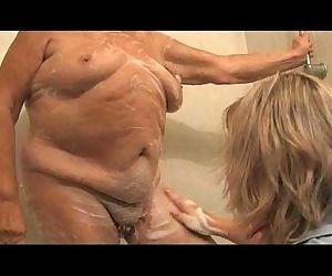 Granny 86yo is prepared to fucking of mature woman - 5 min