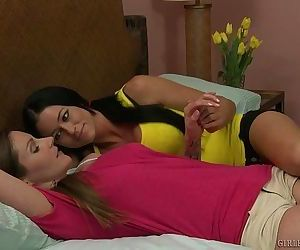 Samantha Ryan And Aryana Augustine Fingering Each OtherHD