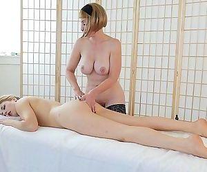 Blondes Trish And Starlette MasturbatingHD+