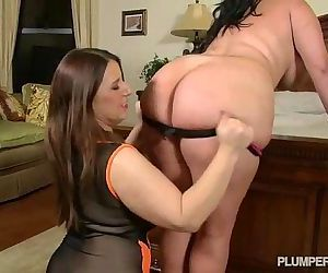 Angelina Castro & Lexxxi Lockhart