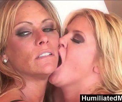 HumiliatedMilfsFemdom Debi Diamond Fucks Ginger Lynn With Her FootHD