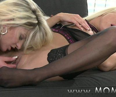 MOM Lesbian MILFs Kissing and Eating PussyHD