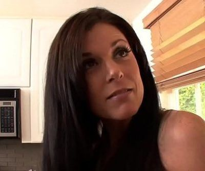 Mature milf licks forbidden stepdaughter lesHD