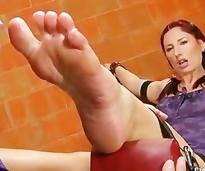 Brook in distress enjoy foot worship