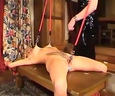 video 143 Queen and slave woman lesbian
