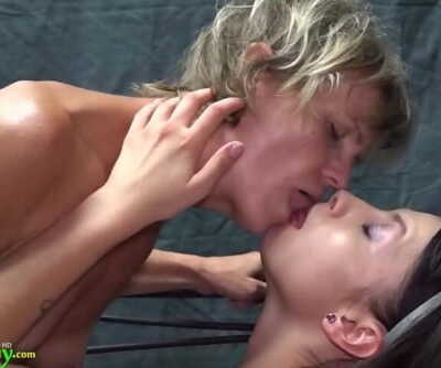 OldNannY Granny Vendi Got Straponized By Lesbian