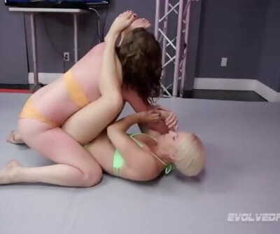 Lesbian sex wrestling Helena Locke vs Remy Rayne at Evolved Fights Lez