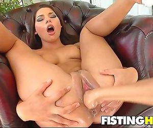 Fisting Babes Clara G & Zafira