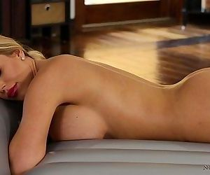 Olivia Austin learning nuru massage from Val DoddsHD