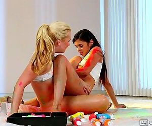 Cute teen friends Samantha Rone and Taylor ReedHD