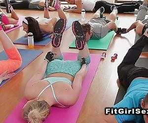 Fitness lesbians tribbing after trainingHD