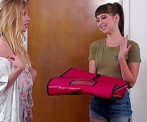 GIRLSWAYRoleplaying lesbian coupleRiley Reid, Ivy Wolfe 6 min 1080p