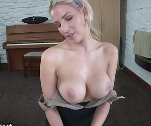 Downblouse Jerk