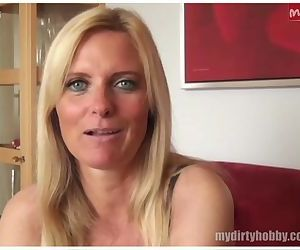 Sexy German MILF gives a great..