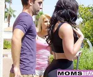 MILF Jennifer White Gets Creampie..