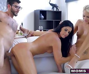 Mom Fucks Son & Eats Teen..