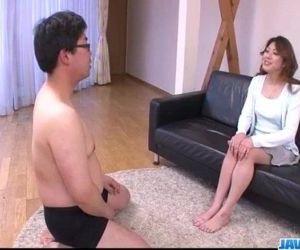 Hot milf Reina Nishio shows off..