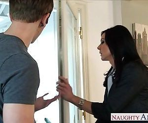 Superb mom Kendra Lust gets..