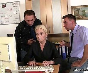 Two guys seduce old blonde - 6 min