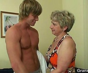 Lonely granny takes big cock - 6..