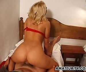 Amateur Milf with big tits gets..