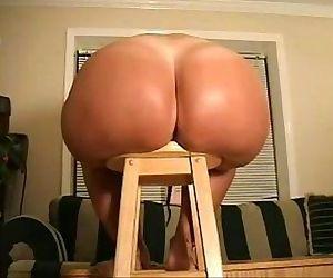 Big butt wife spreads - 51 sec