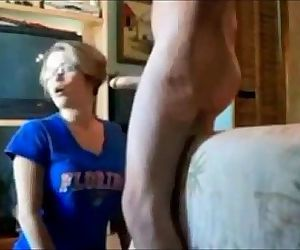 Amateur wife blowjob and facial -..