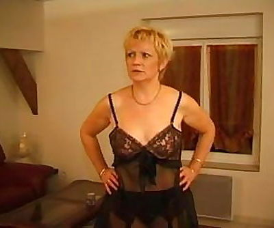 FRENCH MATURE 7 blonde mom milf..