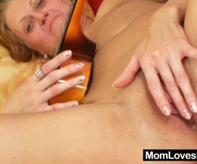 Aged amateur woman enjoys big..