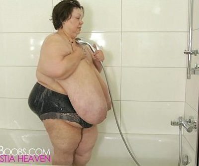 Extreme SSBBW in shower..