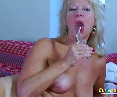 EropeMaturE Milf Blonde Playing..