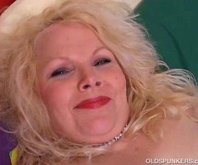 Cute chubby mature blonde - 5 min