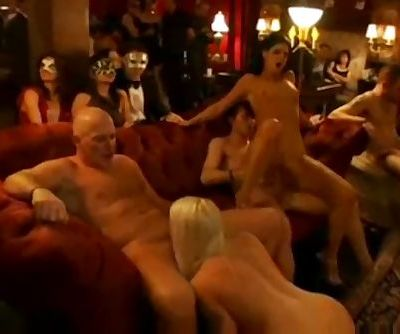XY REAL AMATEUR ORGY AT SWINGER..