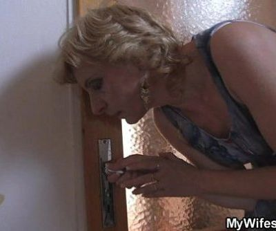 She fucks her horny son in law -..