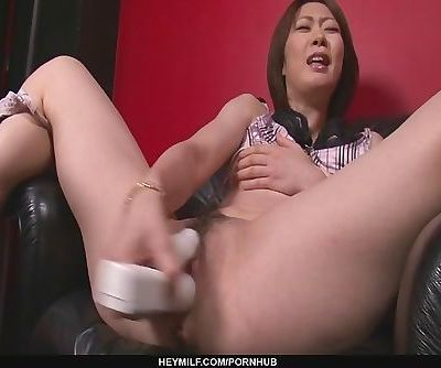 Rio Kagawa Fucks Herself With A..