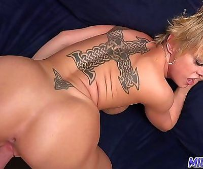 MILF TripThick and sexy blonde..