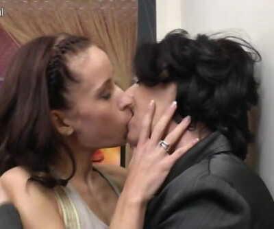 Sexy girl fucks mature lesbian mom