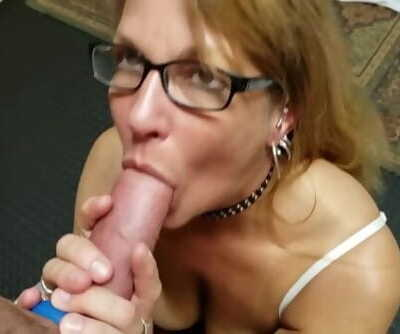 Mature Daizy Layne Loves To Fill..